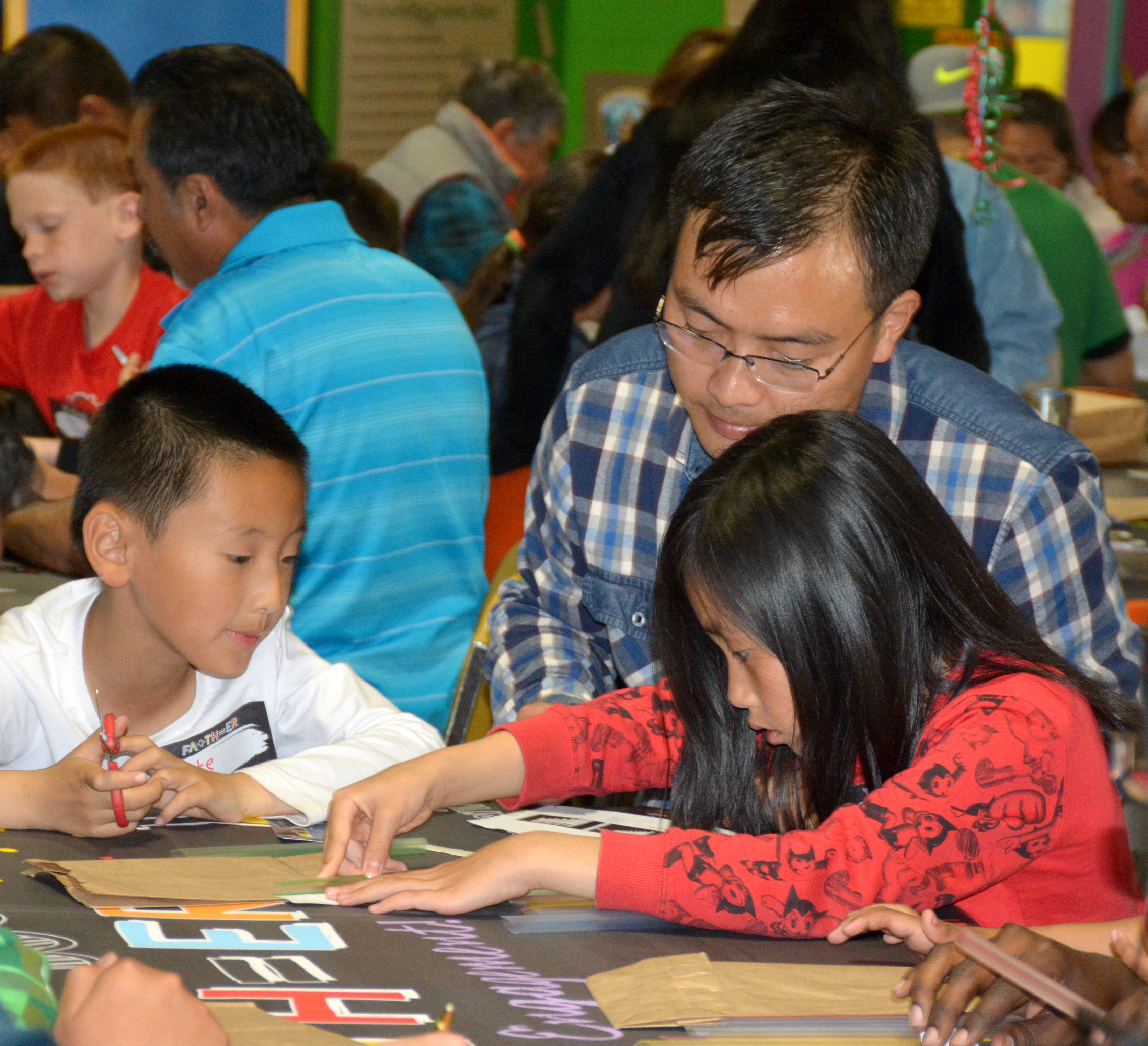 SUSD Fathers Explore STEM Standards at the Museum